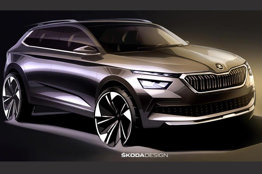 Skoda Kamiq apare în primele schițe de design oficiale. Astfel, vedem că cehii plănuiesc un nou limbaj de design pentru viitorul lor SUV, care va fi trimis pe piață pentru a rivaliza cu Juke de la Nissan și Captur de la Renault. Șeful de design de la Skoda, Oliver Stefani, anunță blocuri optice cu un design nou și dispunere orizontală. Profilul va aduce în prim plan accente dinamice și proporții echilibrate. Stopurile vor păstra forma literei C, dar într-o nouă interpretare. Literele care alcătuiesc denumirea modelului vor fi poziționate în centrul ușii portbagajului. Iată primul teaser arătat de cehi pentru a promova viitorul Kamiq Look-ul viitorului Kamiq va fi inspirat de conceptul Vision X, prezentat de cehi în primăvara anului trecut. În China, se comercializează deja un model cu același nume, dar care are la bază o platformă construită local. Versiunea europeană este construită pe platforma MQB A0, ca și SEAT Arona și Volkswagen T-Roc. Crossover-ul urban de la Skoda își va face debutul în martie, la Salonul Auto de la Geneva. Până atunci însă, constructorul ceh prezintă două fotografii cu schițe ale modelului aflat în faza de proiectare.