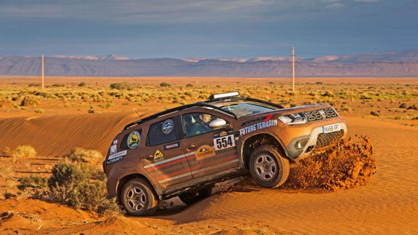 Dacia-Duster-in-desert-Autocar.co-9